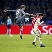 Le Bayern Munich garde la tête de justesse