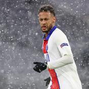 Neymar danse sous la neige