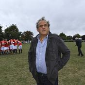 Platini s'insurge sur le penalty de PSG-Manchester: «C'est involontaire»