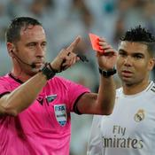 Real Madrid-PSG : L'arbitre expulse Courtois… puis annule son carton rouge en «rembobinant» le match