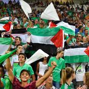 Ces drapeaux palestiniens qui font polémique dans les stades