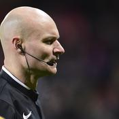 but, penalty, hors-jeu: la soirée ubuesque de Tony Chapron