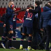 Mauricio Pochettino et Neymar Jr après la victoire 4-0 sur Montpellier