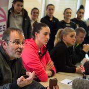 Test de grossesse dans le hand : les joueuses de Nantes soutiennent le médecin