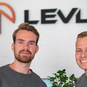 Fondée en juillet 2018 par deux passionnés du gaming, la marque allemande LevlUp propose des boissons énergisantes en poudre, pour les joueurs de jeux vidéo.