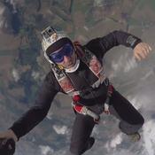Saut En Parachute Paris, un grand saut dans le vide et une poussée d'adrénaline