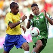 Brésil-Algérie: Robinho-Nadir Belhadj