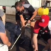 Le beau geste des Canadiens qui ont aidé à nettoyer Kamaishi après l'annulation de leur match