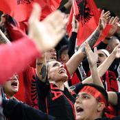 Albanie-France: Marseillaise sifflée ... et arrosage imprévu sur les spectateurs