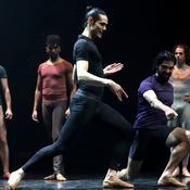 Cavani troque ses crampons pour les chaussons et la promotion ... de la danse classique
