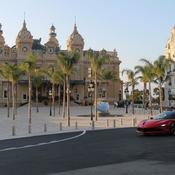 Charles Leclerc fonce dans les rues de Monaco désertes pour un court-métrage de Claude Lelouch