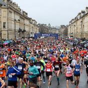 Coronavirus: 6200 participants au semi-marathon de Bath en Angleterre