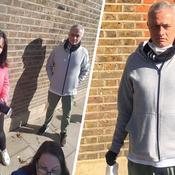 Coronavirus : José Mourinho distribue des paniers repas aux personnes âgées
