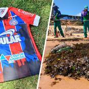 Des maillots tachés de pétrole au Brésil pour dénoncer un scandale environnemental