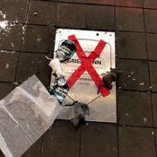 Sifflets, chants hostiles et plaque souillée : le retour bouillant de Griezmann à Madrid