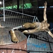 La statue d'Ibrahimovic déboulonnée à Malmö