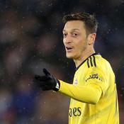 Les commentateurs chinois boycottent le nom d'Özil à l'antenne