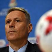Marco van Basten lâche un «Sieg Heil» à l'antenne puis s'excuse