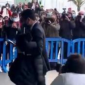 Nasser Al-Khelaïfi insulté par les supporters du Barça à son arrivée à l'hôtel