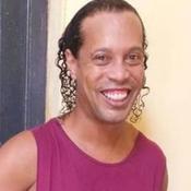 « Ronaldinho ? Il est toujours souriant » affirme le directeur de la prison d'Asunción