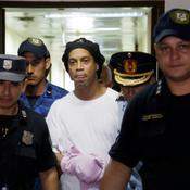 Ronaldinho reste en détention au Paraguay