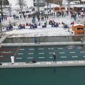 Un championnat de France de nage en eau glacée à Samoëns