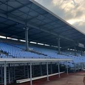 Une tribune du mythique stade Yves-du-Manoir vendue aux enchères
