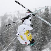 Ski de bosses : Après l'or olympique, la reine Perrine Laffont grimpe sur le toit du monde