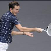 Masters : Medvedev plus fort que Zverev