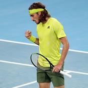Mené deux sets à zéro, Tsitsipas renverse Nadal et s'invite en demi-finale