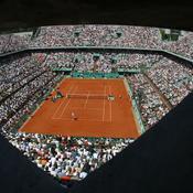 Roland-Garros s'accroche à son projet contre vents et recours