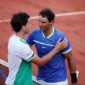 Nadal pulvérise Thiem et file vers un 10e titre à Roland-Garros