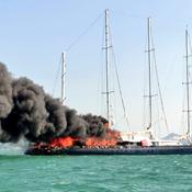 L'ancien voilier de Bernard Tapie Le Phocéa ravagé par un incendie