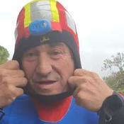 Vendée Globe: Jean Le Cam fait le buzz en vidéo avec la combinaison de survie lui ayant sauvé la peau