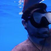 Vendée Globe : la magnifique plongée d'Alan Roura dans l'océan pour inspecter sa coque