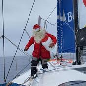 Vendée Globe : les marins jouent au Père Noël et ouvrent leurs cadeaux au cœur du grand sud (vidéo)