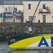Vendée Globe : suspense fou en mer, le maire des Sables d'Olonne amer