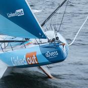 Vendée Globe : victime d'une grave avarie, Ruyant va peut-être devoir couper son foil bâbord
