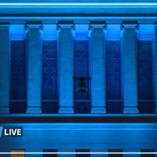 Coronavirus: la mairie de Los Angeles illuminée en bleu en hommage au personnel soignant