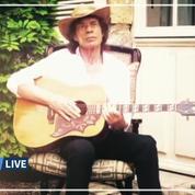 Pour la bonne cause, Mick Jagger se filme confiné dans son château