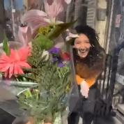 Vidéo : un New-Yorkais redouble d'imagination pour faire la cour à sa voisine en confinement