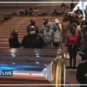 États-Unis: recueillement devant le cercueil ouvert de George Floyd à Houston