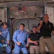SpaceX: l'entrée des deux astronautes dans l'ISS