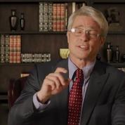 Grimé en Dr Fauci, Brad Pitt se moque de Donald Trump