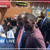 Mort de George Floyd: son fils revient sur les lieux de l'arrestation
