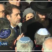 Cimetière juif profané dans le Bas-Rhin : Castaner sur place