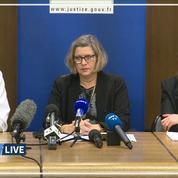 Policiers menacés au couteau à La Défense: les détails de la procureur