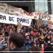 La Marseillaise entonnée par les manifestants de l'Opéra national