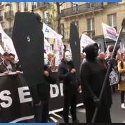 Au cœur de la «marche de la colère» des policiers à Paris