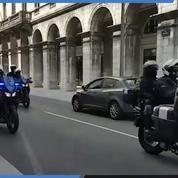 Les forces de l'ordre à moto arrivent à Bayonne